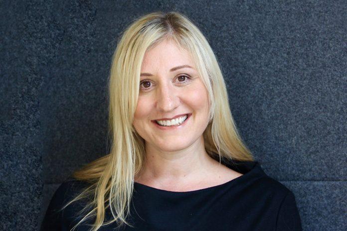 Image of Liz Walker, HR Director, Unum UK, who shares her top tips to help you get promoted.
